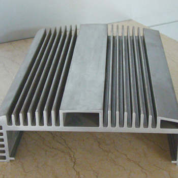 坚美铝型 铝材